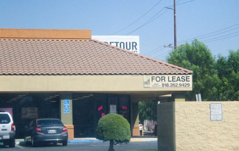Another business space for lease across the street from Mountasia on Soledad Canyon Road in Canyon Country. These vacant building spaces are becoming a common occurrence all across the valley.
