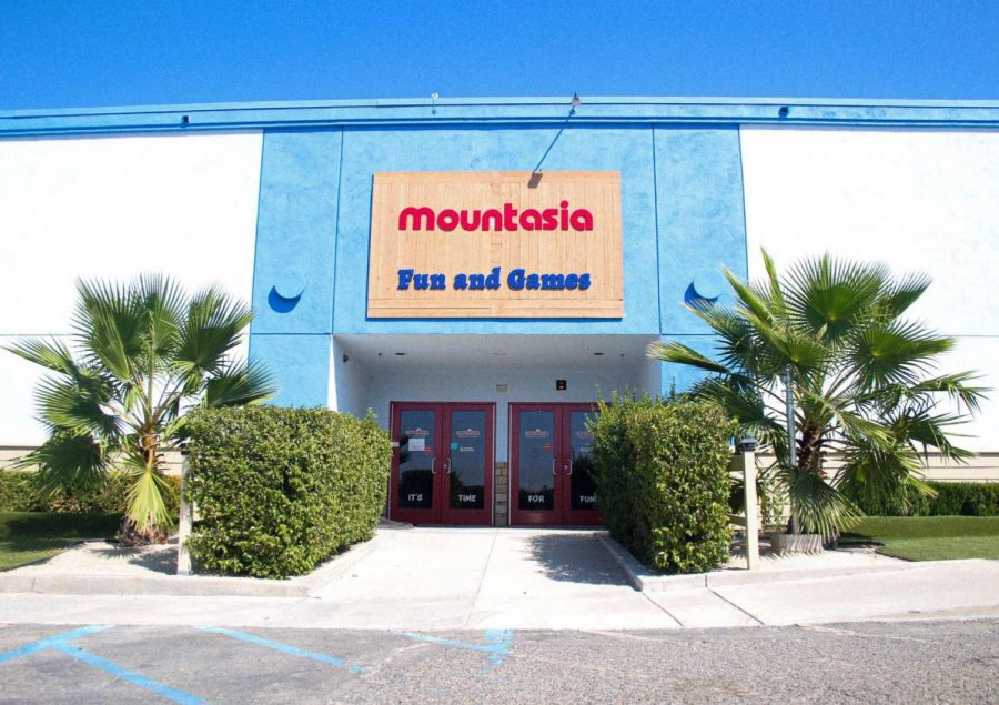 After providing Santa Clarita with joy since 1995, Mountasia hasn't opened its doors for over 4 months.