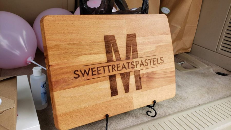 Marilen Quimson, the owner of Sweettreatspastels, specializes in baking bread, cakes, and pastries while adding a Filipino twist to some of her desserts. Her popular products are the Ube Yema Cake, Ensaymada, and Ube Crinkle Cookies.