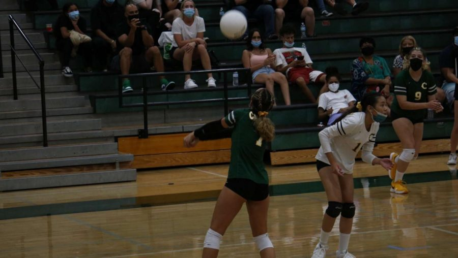 Naomi Philips quickly moving to hit the ball to help get her team a point!